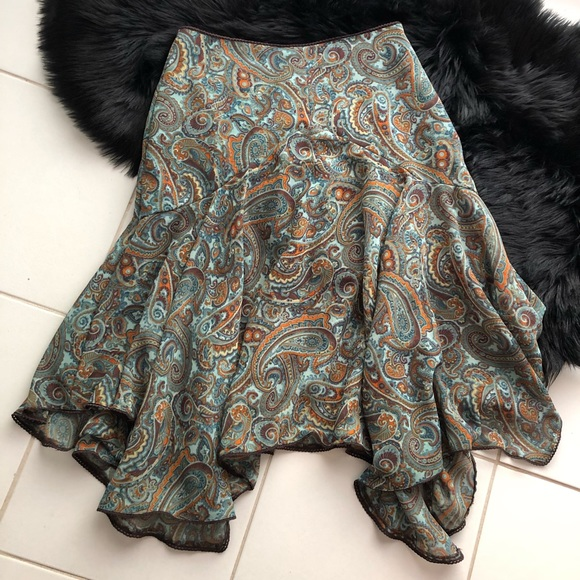 Newport News Dresses & Skirts - Gorgeous Paisley Handkerchief Hem Skirt